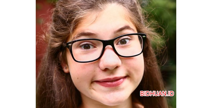 Cara Memilih Kacamata Untuk Wajah Bulat Paling Cocok
