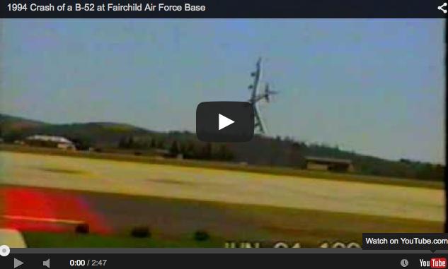 adegan pesawat jatuh