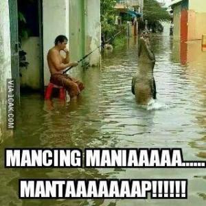 meme banjir jakarta 2015