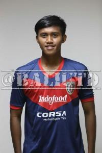 (10) Ganjar Mukti M. (RB) | TTL: Tangerang, 12 Juni 1994  | Tinggi/Berat: 178 Cm/72 Kg | Klub Sebelumnya: Persita