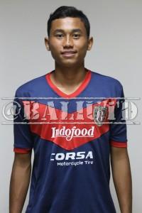(8) Ricky Fajrin Saputra (LB) | TTL: Semarang, 6 September 1995 | Tinggi/Berat: 175 Cm/68 Kg |  Eks Timnas U-19