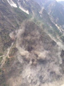#EarthquakeInNepal shocking images from helicopter heading towards #Everest region