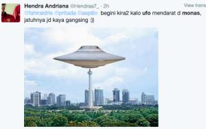 ufo mendarat di monas