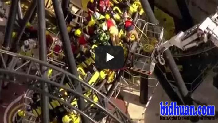 kecelakaan roller coaster
