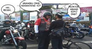 montor abang sopo dab : yang pakai sepeda motor merah siapa bang yayangku dab : pacar gue bang ngganteng yo : ganteng kan