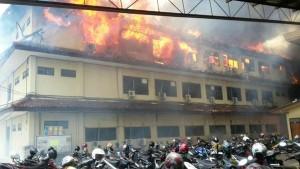 @MohamadQun: Terjadi kebakaran di Mabes Polda Jateng