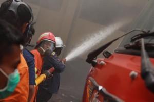 @PKSjateng : Beberapa gambar yang sempat diabadikan oleh #RPFJATENG saat kebakaran di Markas Polda Jateng. @relawanpksfoto