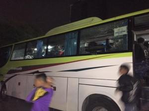 03:58 Sejumlah kendaraan alami kerusakan akibat aksi anarkis supporter sepak bola KM 2 Tol Kebon Jeruk.