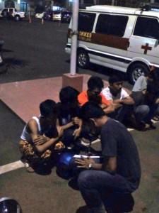 04:19 Polri amankan sejumlah supporter sepak bola yg berbuat anarkis di Jl. MT. Haryono.