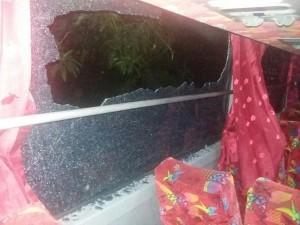 02:46 Sejumlah kendaraan alami kerusakan akibat aksi anarkis supporter sepak bola di Jl. MT. Haryono.