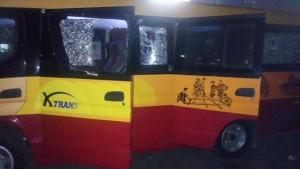 02:48 Sejumlah kendaraan alami kerusakan akibat aksi anarkis supporter sepak bola di Jl. MT. Haryono.