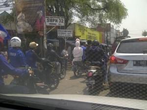 @Nathanael2901: Kang @ridwankamil , mending jadi pocong daripada buligir jeung gaur2 knalpot mah leres? #Persib