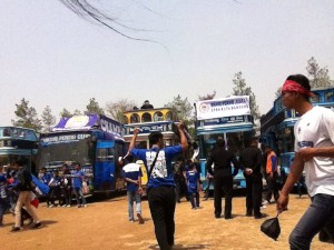@simamaung 1h1 hour ago 1 bandros isi pemain dan manajemen Persib, 1 bandros sponsor Persib, 2 bandros dprd bdg dan keluarga, bus vpc.