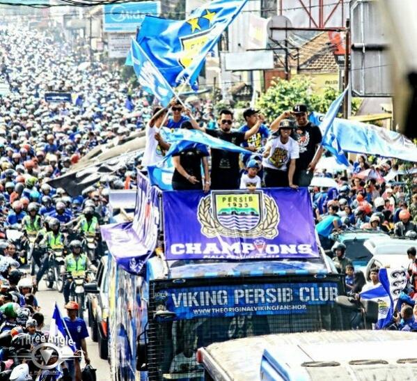 @m_aji25 14m14 minutes ago Ini Bandung, ini bobotoh, ini #PERSIB ❤ [pic] — https://path.com/p/1Zk4dS