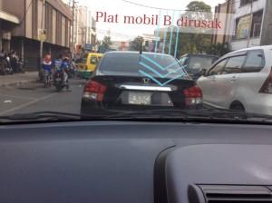 @dreamzealand @PRFMnews mobil depan saya dirusak platnya.. Bobotoh persib bikin ricuh dan jadi kesempatan untuk berbuat kriminal!!