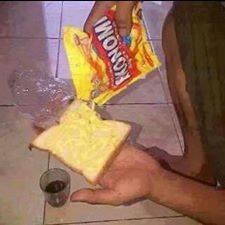 @Liputan9: Mentega Habis, Inilah Cara Anak Kos Makan Roti di Akhir Bulan