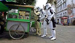 @imandita: STAR WARS: dengan kearifan lokal