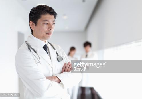 dokter ditahan apotekernya mana