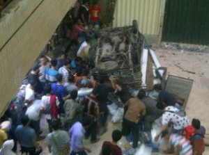 @lella_sylvia 6h6 hours ago View translation Serem liat mobil box jatuh dr lantai 4 pasar PD cipulir