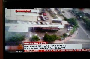 @Syiah_ 14m14 minutes ago View translation Al Jazeera Curang, Pake Gambar TV One Tapi Ngilangin Logo TV One-nya:  Satu Islam, Jakarta