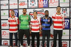 @MaduraUnitedFC 4h4 hours ago Madura united fc jersey 1 merah jersey 2 biru jersey 3 hijau