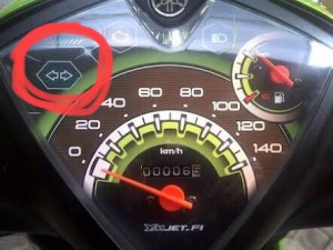 "@_iFad 15/02/2016 13:36:56 WIB @suppisoup mungkin karna panel speedometernya kaya gini. Jadi dia ngerasa ""sein nya otomatis"""