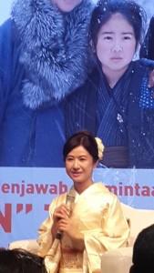 @nini_sunny 6h6 hours ago Ayako Kobayashi (Oshin) dtg ke Jkt. Serial itu diputar lg via Wakuwaku Japan mulai 29 Feb pukul 20.00 @triPinter