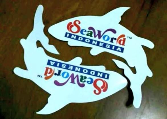 @dewahoya Stiker ini harus ada di mobil F1 Rio Haryanto.