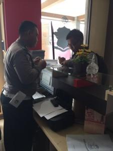 @satlantas_mjlk 12/02/2016 08:57:46 WIB Perdana, Pendaftar SIM perpanjangan melalui aplikasi Simobo.10 menit, jadi. Ayo, siapa lagi..