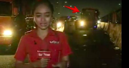 TV One Memang Beda, Liputan di Jalan Reporter Cantiknya Hampir Tertabrak Bus