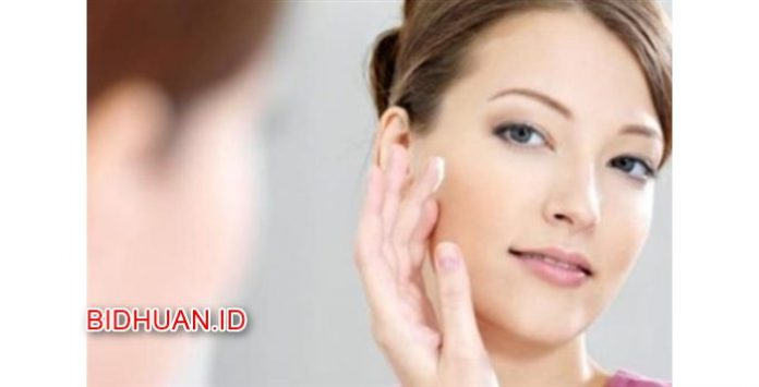 12 Cara Mengencangkan Kulit Wajah Secara Alami dengan Telur Buah Susu dan Lainnya