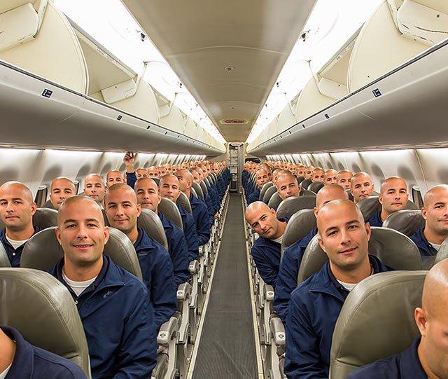Mengabadikan Momen dalam Pesawat