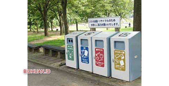 Rutinitas Membuang Sampah di Kampus Jepang