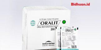 Obat mencret menggunakan larutan oralit