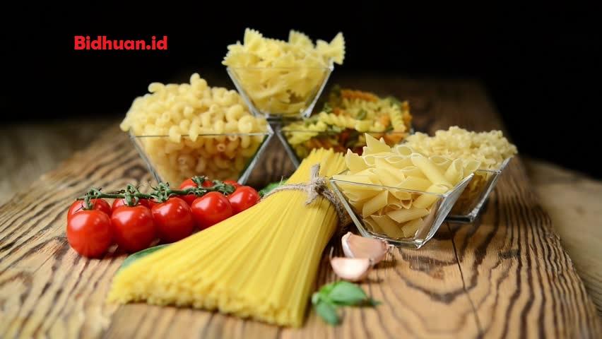 Makanan yang mengandungkarbohidrat yaitu Pasta Gandum