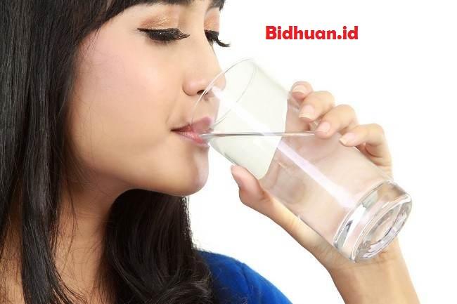 Manfaat airkelapa untuk mengembalikan cairan tubuh